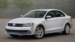 wynajmij pojazd jakim jest Volkswagen Jetta w gdańskim carforyou