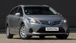 Wynajmij Toyotę Avensis w CarForYou Tychy