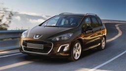 w Płockiej wypożyczalni samochodów znajdziemy Peugeota 308 Kombi